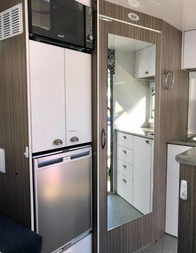 pluto-302-kitchen