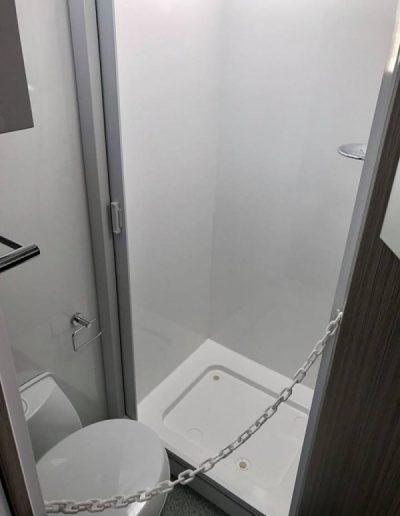 pluto-302-toilet